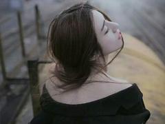 始终放不下一个人的爱情说说 爱情让人好心累的伤感说说