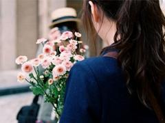 我们都琢磨不透的爱情说说带图片 忘记一个人的伤感说说心情