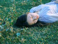 那些和青春夏天有关的唯美简单小清新图片句子 阳光倾落风雨都不舍