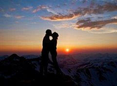 诗意说说带图片:我见过最蓝的天,是初遇你的那天