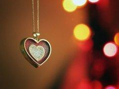 情感说说带图片:总有一个人,一直住在心里,却告别在生活里