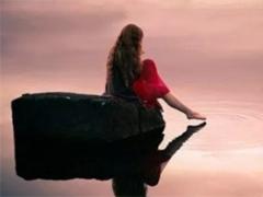 对爱情很悲伤很失望的伤感说说 很多的烦恼源于心不够狠